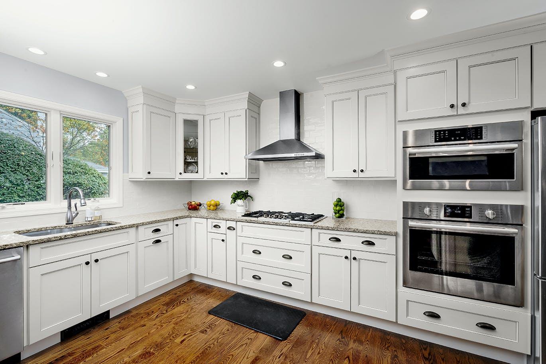 Fabuwood cabinetry available at Rockbridge Flooring Professionals, LLC. Photo courtesy of Fabuwood.